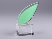 <p><em><strong>Материалы:</strong>стекло, оптическое стекло</em></p> <p><em><strong>Технологии:</strong>ручная резка и полировка, лазерная гравировка внутри стекла, трафаретная печать, УФ склейка</em></p> <p><strong><em>Размер,мм:</em></strong><em>165х110х50</em></p> <p><em><em><strong>Примерная стоимость, руб.:</strong>1 400</em></em></p> <p><em><em><em>изделия изготавливаются по Вашим индивидуальным требованиям,</em><em>стоимость зависит от сложности изготовления, материалов и тиража</em></em></em></p>